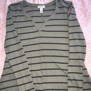 CUTE GREEN LONG SLEEVE WITH STRIPES